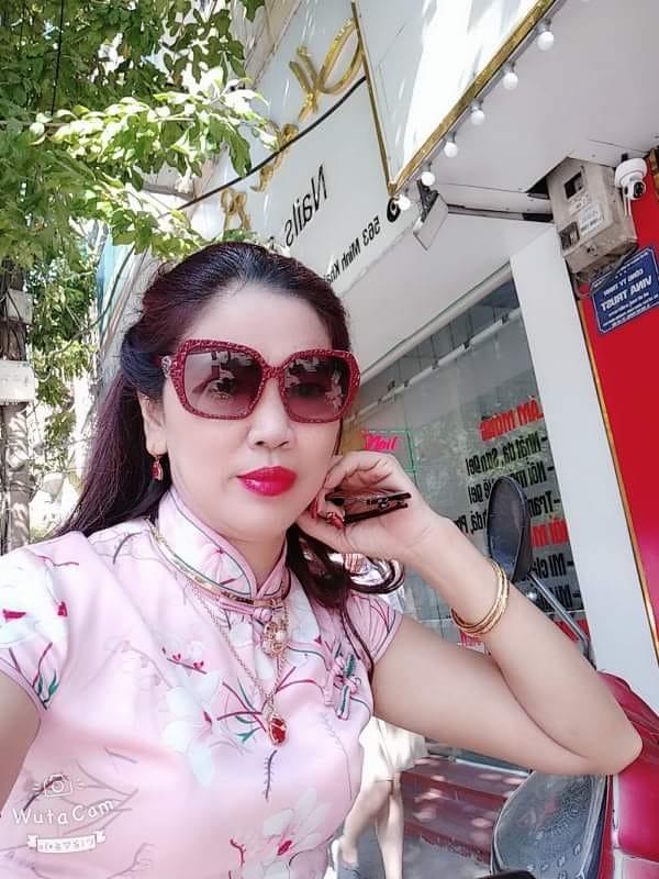 Máy bay bà già Đà Nẵng thừa tiền thiếu tình