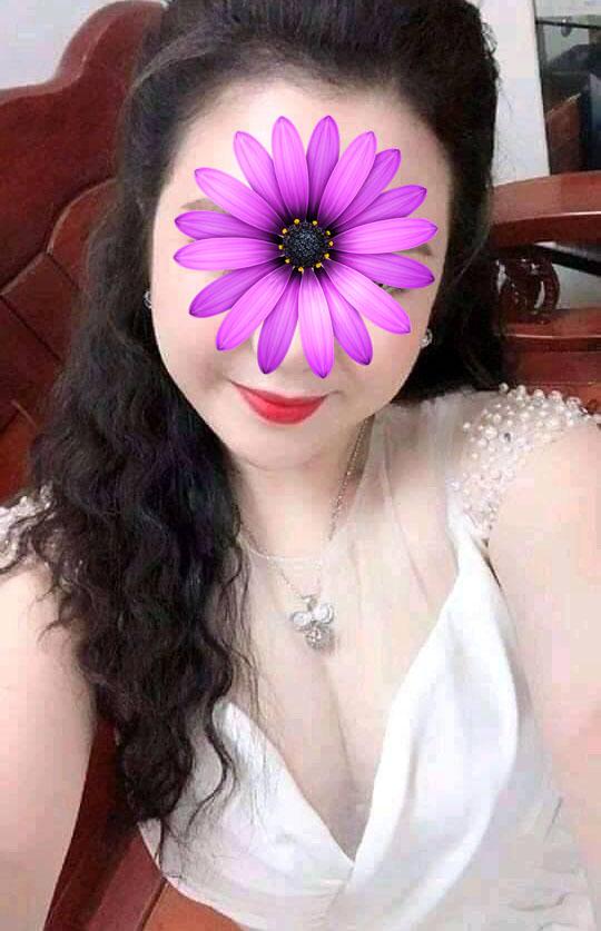 Gái góa chồng Hương Giang có số điện thoại